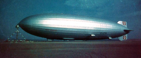LZ-130 Graf Zeppelin, Original color photo (click to enlarge)